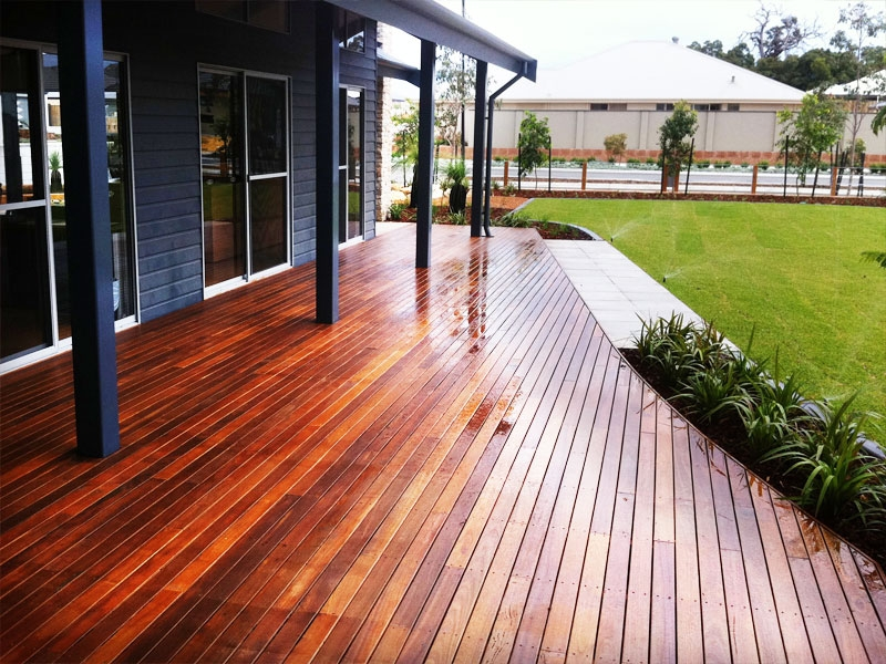 jarrah-commercial-decking-5